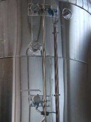 Heißwasserbehälter mit Temperaturkontrolle